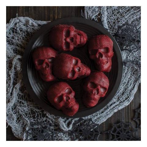 Nordic Ware Bakvorm Haunted skull cakelet
